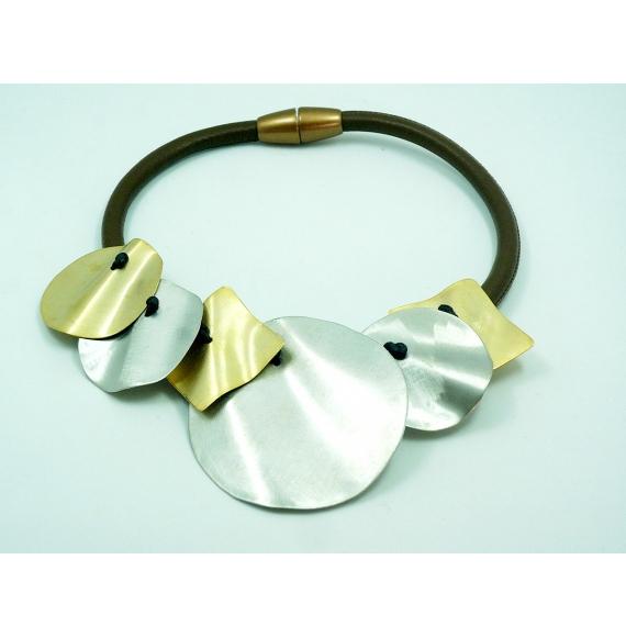 collier cuir /laiton